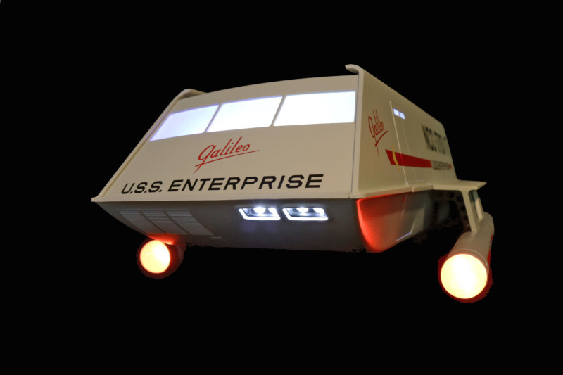 Shuttle with lights