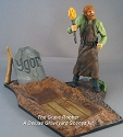 The Grave Robber Deluxe Figure and Base - Graveyard Scenes