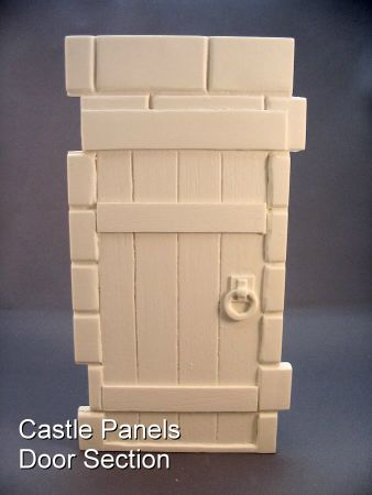 Castle Wall with door - Cult's Creepy Castle Kits