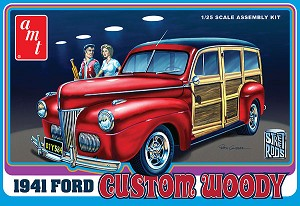 1941 Ford Woody Custom 1:25 scale from AMT/Round 2