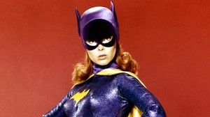 Batgirl 1966 - 1:8 scale  from Moebius Models - PREORDER RESERVATION