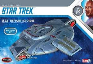 USS Defiant from Deep Space Nine - 1:1000 scale from Round 2/Polar Lights